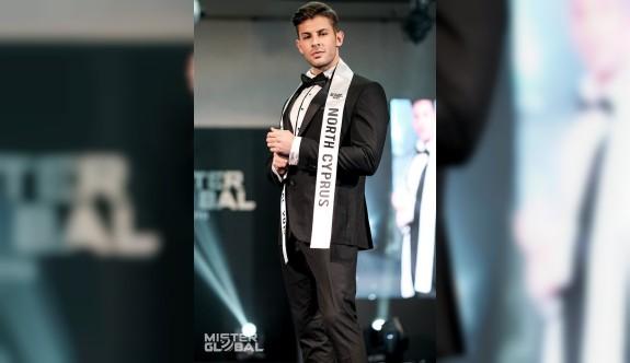 Mullahasan Mister Global 2019 finalinde ilk 16'da yer aldı