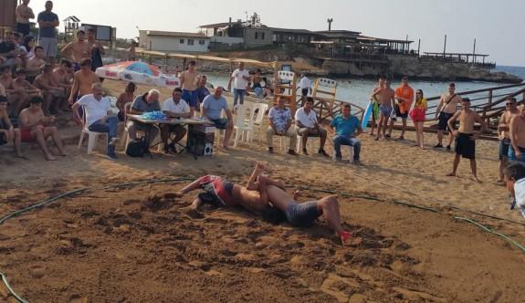 Plajda tuş ettiler