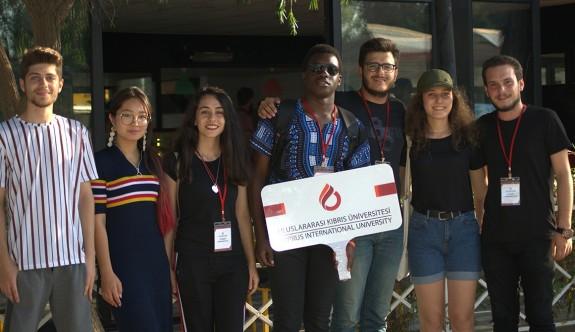 UKÜ, yeni kayıtlı öğrencilerine başkent Lefkoşa'yı tanıttı