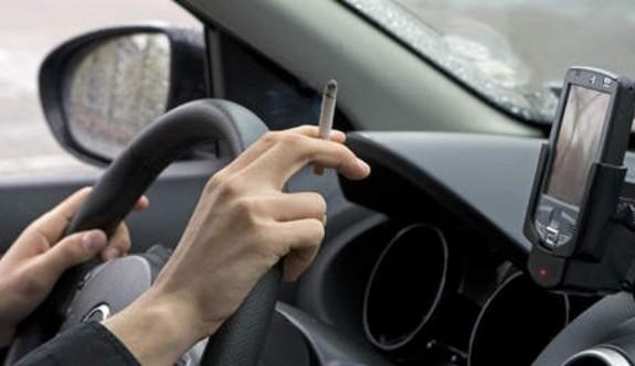 Ünlü isimlerden araçta sigara içme yasağına tepki