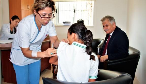30 öğrenciye HPV aşısı