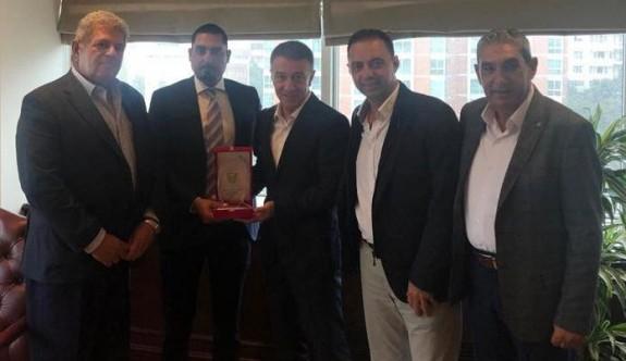 Golf Federasyonu heyeti, Ağaoğlu'nu ziyaret etti
