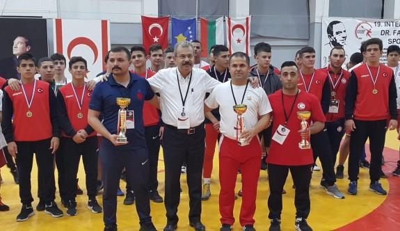 Güreşin şampiyonu Türkiye