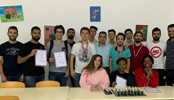 YDÜ'de satranç turnuvası düzenlendi