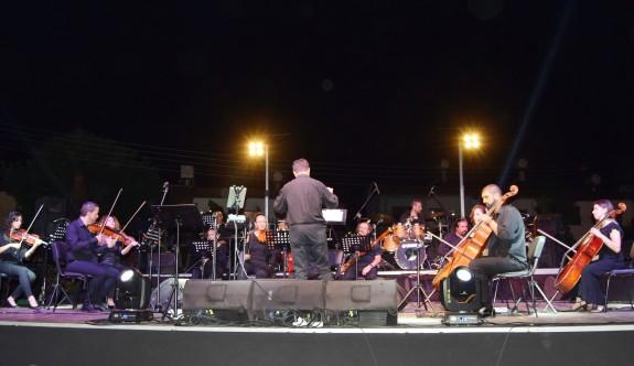 Zaman Tüneli konseriyle keyifli gece