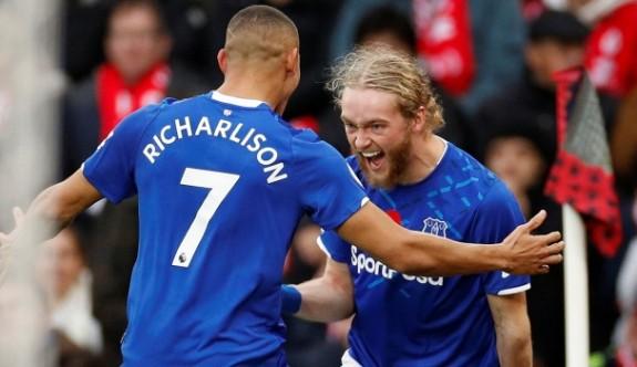 Cenk Tosunlu Everton deplasmanda galip