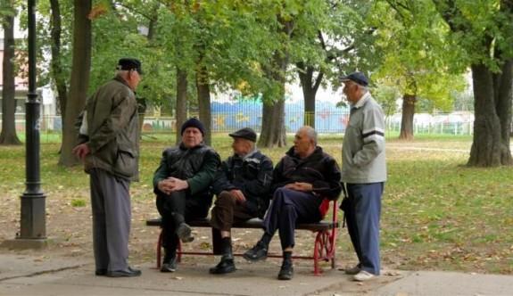 Kıbrıs'ta erkekler kadınlardan daha kısa yaşıyor