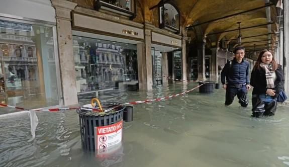 Venedik'te yükselen su seviyesi 1 milyar Euro'ya mal oldu
