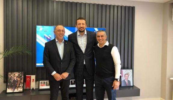 Basketbol Federasyonuna, Türkoğlu desteği