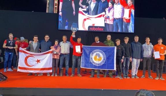 """DAÜ, """"Robotex International"""" Yarışması'ndan birincilikle döndü"""