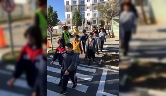 Özel eğitim öğrencilerine trafik eğitimi