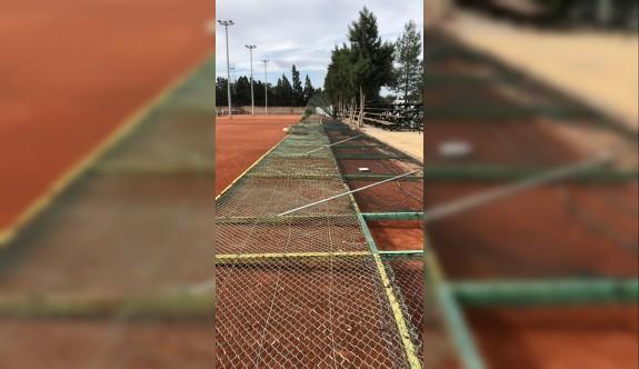 Teniste tesis ayıbı son buluyor