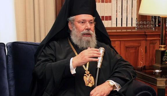 Başpiskopos Hrisostomos tedavi için Amerika'ya gitti