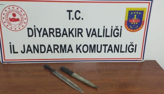 Diyarbakır'da tarihi hançer ele geçirildi