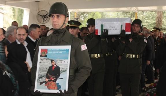 Dizliklioğlu ve Gardiyanoğlu askeri törenle defnedildi
