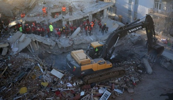 Elazığ depreminde ölü sayısı 38'e ulaştı