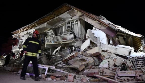 Elazığ depreminde ölü sayısı artıyor