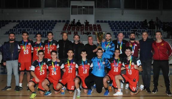 Hentbol U20'de şampiyon YDÜ
