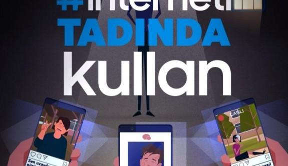 İnternet Bağımlısı İnsanları Bir Bakışta Tespit Etmenin 11 Yolu
