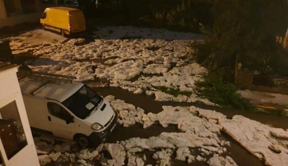Yağmur ve dolu Girne'yi vurdu