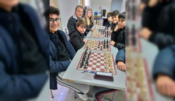 Girne'de satranç heyecanı sürüyor