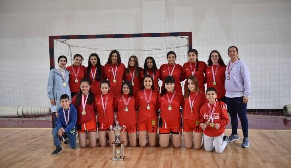 Kızların şampiyonu LTL