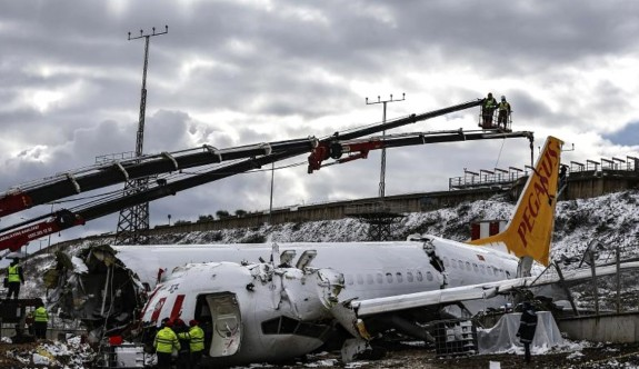 Yardımcı pilot, kuleyi suçladı
