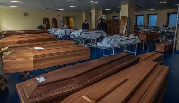 Artık morglarda cenazelere yer kalmadı