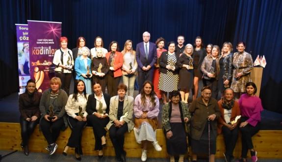 Emekçi kadınlar onurlandırıldı