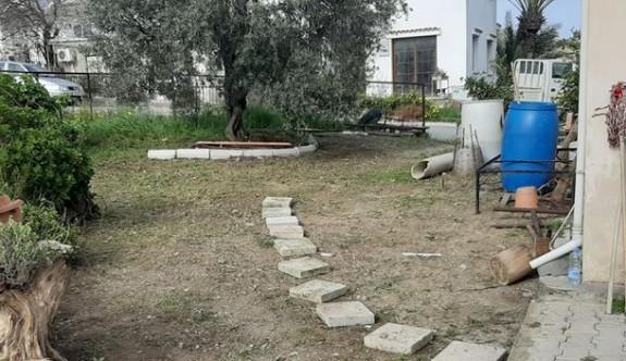 Evlerde bahçe temizlikleri yapıldı