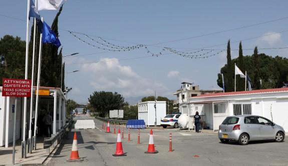 Güney  Kıbrıs sınır kapılarıyla ilgili genelgeyi değiştirdi