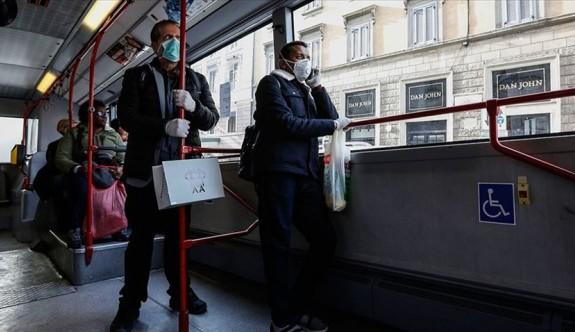 İngiltere koronavirüs konusunda politika değiştiriyor
