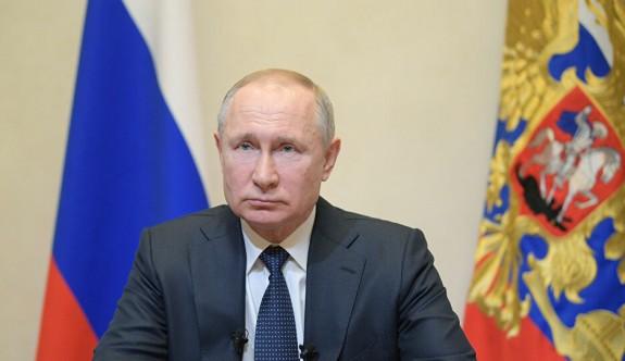 Putin'den Rum yönetiminin başını ağrıtacak vergi bombası