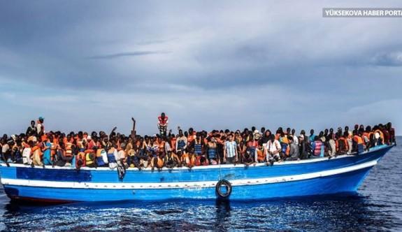 """""""Rum polisi içinde 100 mültecinin bulunduğu tekneyi kıyıya yanaştırmadı"""""""