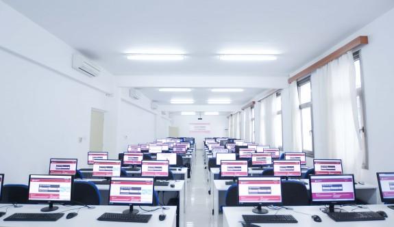 Yakın Doğu Üniversitesi ve Koleji'nde online eğitim başlıyor
