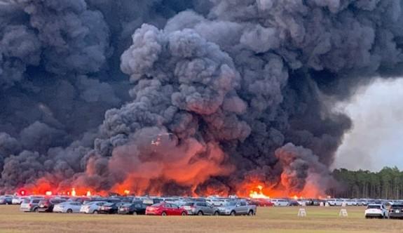 ABD'de 3 bin 500 araç alev alev yandı