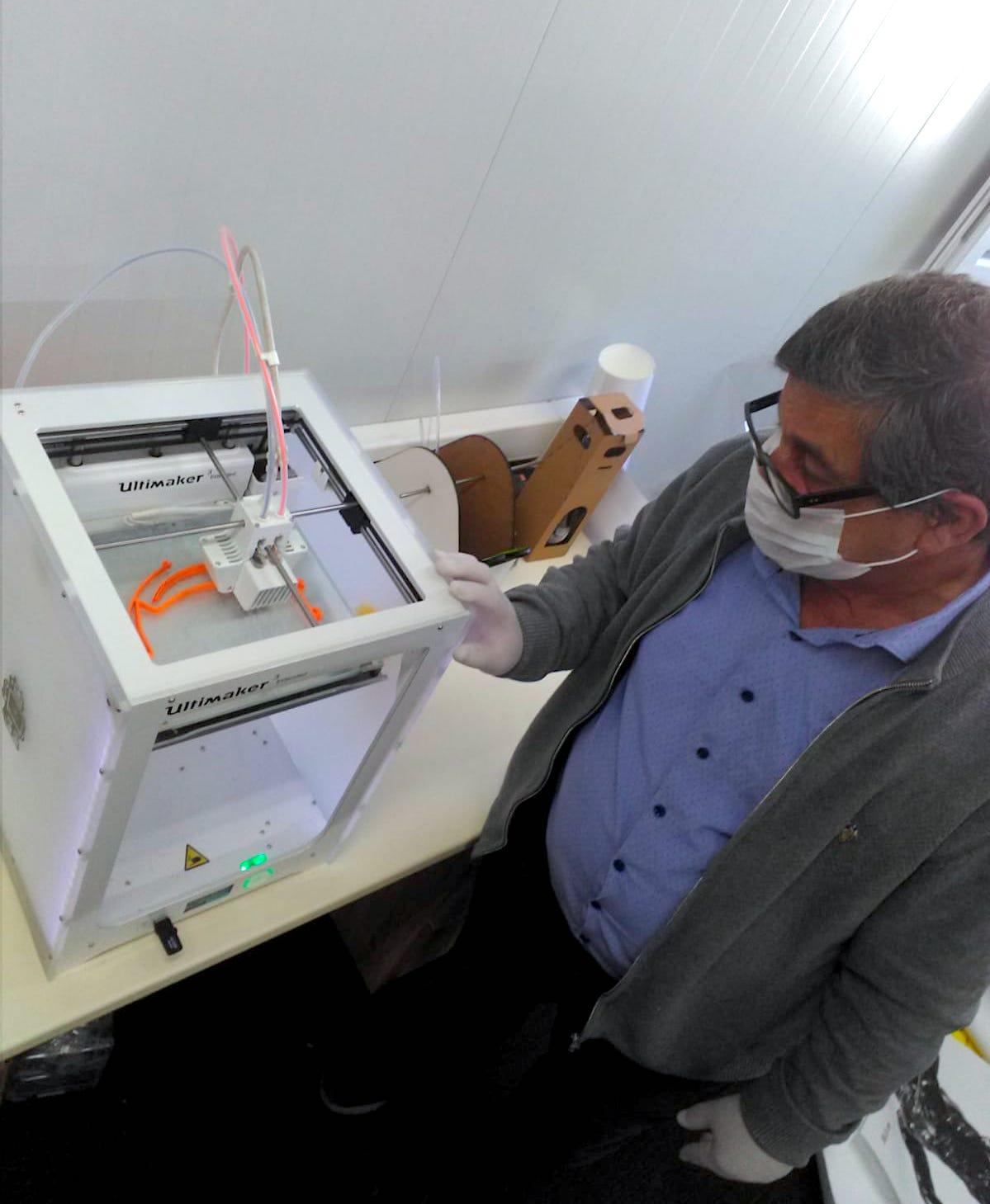 ARUCAD, koruyucu yüz siperi üretimine başladı