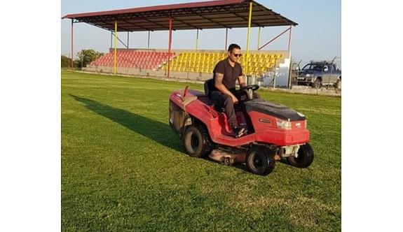 Aydan Karahan Stadı,yeşile büründü