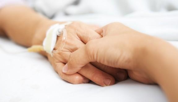 Bu sesi duyalım: Kanser hastası genç kız yardım bekliyor