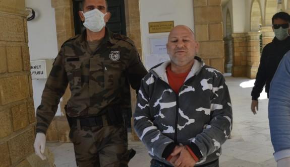 Firari iki yıl sonra ülkeye dönerken yakalandı