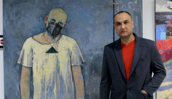 Koronavirüs ile mücadeleye destek için sanatını tuvale yansıttı