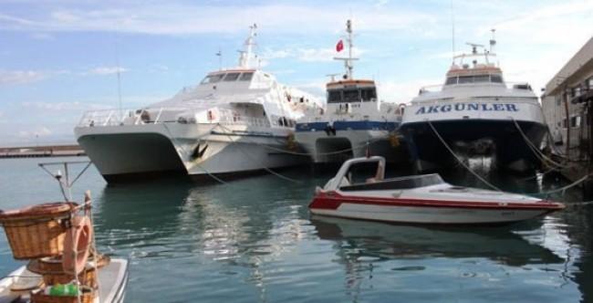 TC ile deniz ulaşımı geçici olarak durduruldu.