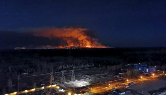 Ukrayna'da yangınlar Çernobil bölgesini tehdit ediyor