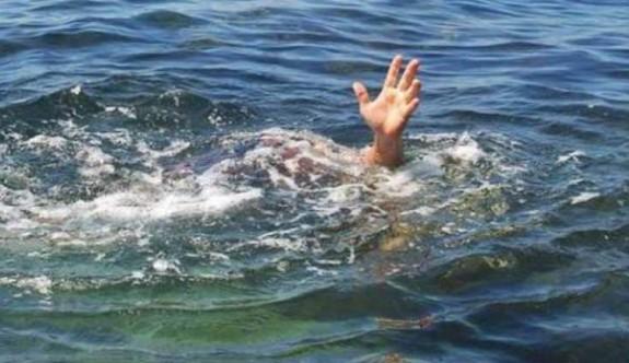 Alagadi'de denize giren iki genç boğuldu
