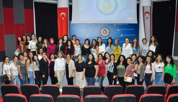 DAÜ'lü akademisyenden Bakan Çavuşoğlu'na sert tepki