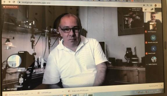 """Görüntü Yönetmeni Hayri Çölaşan, YDÜ öğrencilerine """"Film Yapım Teknikleri""""ni anlattı"""