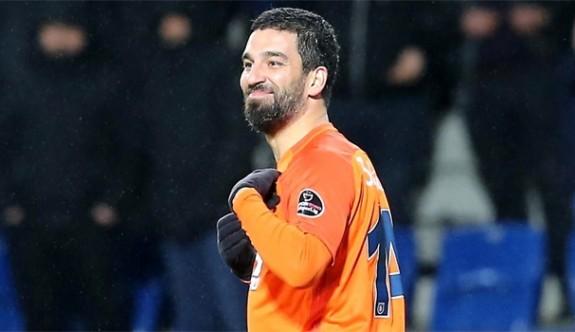 """""""G.Saray'da futbolu bırakmak istiyorum"""""""
