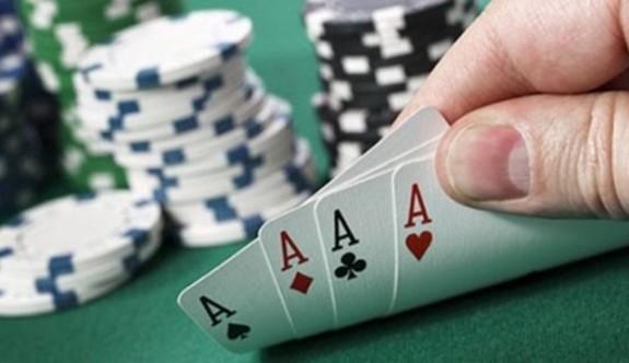 Kapalı otelin kumarhanesinde kumar oynarken yakalandılar