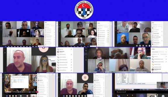 Satranç Federasyonu hakemleri, onlıne kursa katıldılar