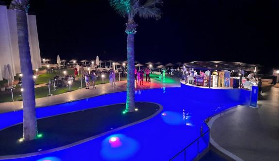 Mimoza'da özel eğlence geceleri coşkuyla yaşanıyor